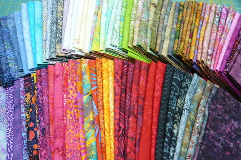 collection de tissus batik au fil de flo tissus mercerie patchwork broderie. Black Bedroom Furniture Sets. Home Design Ideas